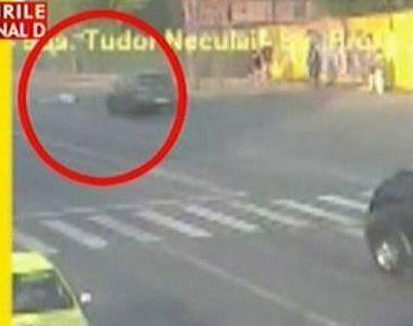 Accidentul teribil produs de un avocat celebru din Iaşi, suprins de camerele de...