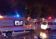 Imaginea care a revoltat internetul! Un barbat mort este lasat sa zaca pe asfalt, in ploaie, in timp ce medicii si politistii stau in masini