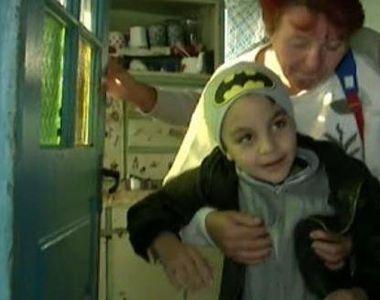 Povestea lui Dragos, un baiat de 8 ani care si-a revenit dupa o operatie de cancer pe...