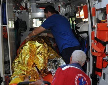 Un barbat a fost ranit si 13 garsoniere afectate in urma exploziei unei butelii intr-un...