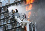 Locatarii unui bloc din Câmpulung, evacuaţi de urgenţă după ce dormitorul unui apartament a luat foc. Incendiul a fost stins