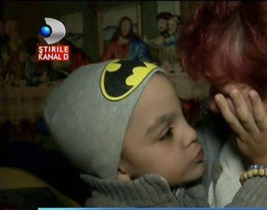 Dragos, un baietel de 8 ani in scaun cu rotile, are nevoie de ajutorul nostru!...