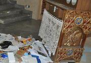 Vandalism intr-o biserica din Romania. Un tanar a spart usa, a stricat o orga si a distrus o statueta cu Iisus