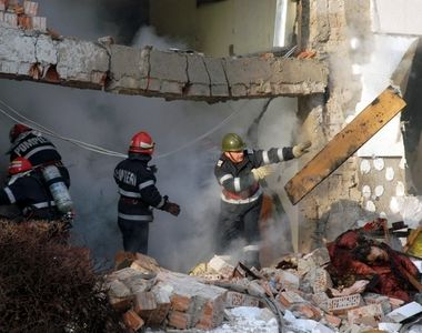Doua persoane au fost ranite intr-o explozie din orasul prahovean Breaza. Casa a ars in...