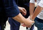 Doi tineri au furat peste 20.000 de euro dintr-o locuinta pe care ar fi trebuit sa o pazeasca. Incidentul s-a petrecut in Suceava