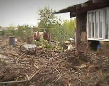 Inundatiie au facut prapad in Galati, iar oamenii au incercat disperati sa isi salveze...
