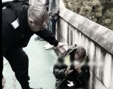 O femeie a fost atacata in plina strada la Timisoara. Un tanar a incercat sa ii fure...