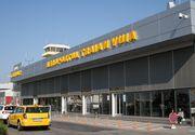 """Incident pe aeroportul International """"Traian Vuia"""" din Timisoara. Un avion a lovit doi stalpi de iluminat"""