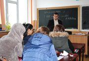 Un liceu din Severin a decis sa reduca programul din cauza frigului. Elevii au venit la scoala cu paturi