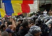 Incidente la mitingul pentru unirea Basarabiei cu România din Capitala: Jandarmii au intervenit în forta si au retinut cel putin trei persoane. Unionistii si-au pus corturi in centrul Bucurestiului
