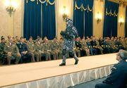 Ce tinute vor purta militarii romani in 2017. Noile uniforme ale Armatei Romane, intr-o prezentare de moda la Cercul Militar National