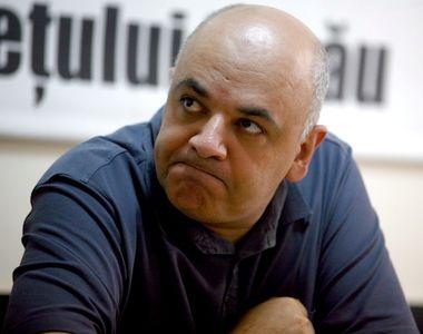 Raed Arafat şi-a smuls lavaliera, în direct, după ce a fost întrebat de demisie:...