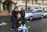 Cum este tratat la scoala un copil cu dizabilitati. Au fost momente cand a si-a facut nevoile pe el, iar la ora de sport i se pun absente