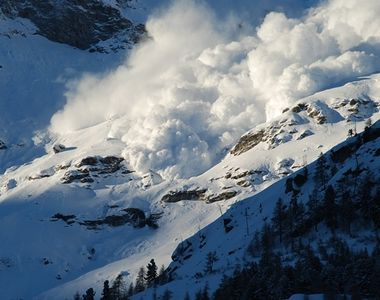 Arges: Trasee montane inchise, din cauza riscului de avalansa