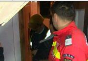 O explozie la un bloc din Pitesti a bagat panica in locatari! O persoana a ajuns la spital cu arsuri