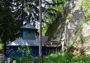 Biserica rupestra din satul buzoian Alunis, important monument istoric construit în anul 1277, cuprinsa de flacari