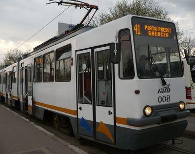 Circulatia pe linia tramvaiului 41 din Capitala este blocata, dupa ce o femeie a fost...