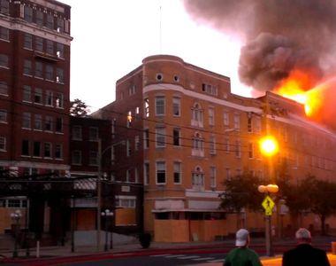 11 persoane au murit, iar alte 75 au fost ranite in urma unui incendiu izbucnit intr-un...