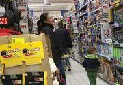 Aglomeratie in magazine. Ajutoarele lui Mos Nicolae au cautat cadourile perfecte pentru cei mici