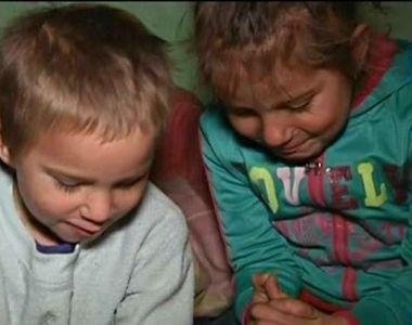 Copiii din Huedin, care isi faceau temele pe jos la lumina candelei, au primit un strop...