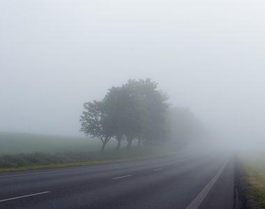Cod galben de ceata in judetul Sibiu. Vizibilitatea pe Autostrada A1 Sibiu - Deva, sub...