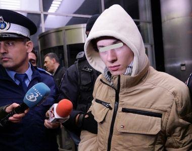Adolescentul arestat pentru ca face propaganda terorista este un elev mediocru! El a...