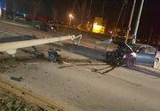 Accident teribil in Timisoara. Un tanar a intrat intr-un stalp si l-a daramat