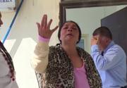 """Femeia pacalita de vrajitoare. I-a cerut sa arunce 10.000 de euro pe un rau de langa un mall din Pitesti fiindca asa i-au cerut """"diavolii""""."""