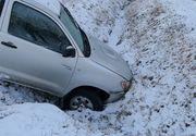 Patru accidente in jumatate de ora pe un drum din Caras-Severin. Politistii au amendat firma responsabila cu deszapezirea