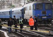 Un camion a fost lovit de un tren de calatori la iesirea din statia Rosiori Est. Trei trenuri au fost anulate, calatorii fiind preluati cu autobuz
