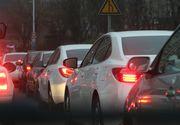 Trafic in conditii de iarna in judetele Prahova si Brasov. Spre munte se circula cu dificultate