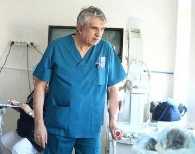 """Amira, """"experimentul"""" doctorului Burnei, s-a fotografiat in picioare, la..."""