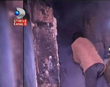 Stirile Kanal D de la ora 12:00 Un batran de 73 de ani a murit ars de viu in propria...
