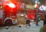 Incendiu in centrul Capitalei, intr-un bloc din Piata Romana. O persoana a fost gasita in posibil stop cardio-respirator