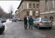Un angajat al Spitalului Judetean din Cluj si-a spart capul dupa ce a cazut pe gheata, chiar in fata institutiei