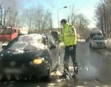 Ce a facut un politist de la rutiera cand a vazut om trafic aceasta masina acoperita de...