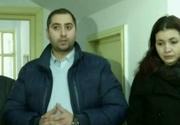 Scandal la o scoala din Craiova. O profesoara care ar fi terorizat copiii cu ani in urma s-a intors la catedra. Parintii au facut un adevarat circ