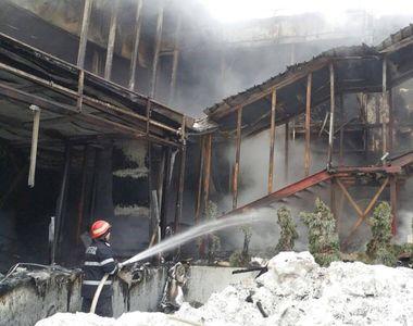 Procurorii si politistii evalueaza situatia de la clubul Bamboo. Incendiul nu e...