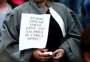 Protest spontan al grefierilor din Timisoara, care cer salarii raportate la pregatirea profesionala