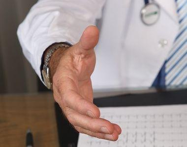 """""""Biroul pacientului"""", un loc in care medicii si asistentele care ii..."""