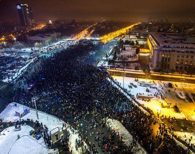 """200.000 de oameni la proteste in Bucuresti si in tara: """"Maine dimineata radem o..."""