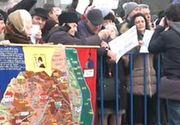 Sustinatorii Guvernului, miting in fata Palatului Cotroceni. Aproximativ 2.500 de persoane au scandat impotriva presedintelui. Numarul protestatarilor scade treptat