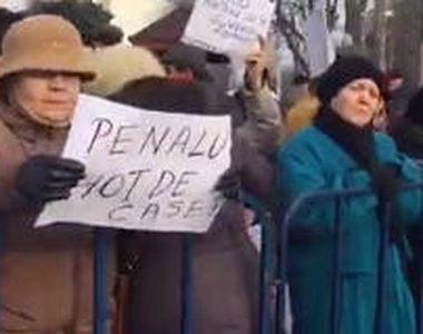 Protest pro-Guvern la Palatul Cotroceni. Aproximativ 2.000 de persoane au cerut demisia...