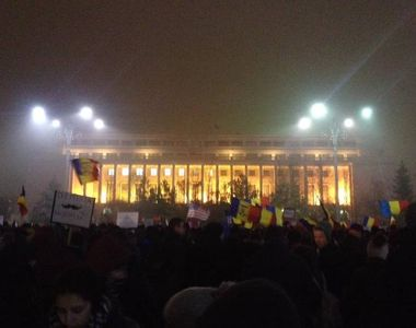Peste 1.500 de oameni au iesit din nou in strada in mai multe orase din tara