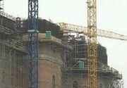 Mister pe santierul Catedralei Mantuirii Neamului! Ce sunt cutiile verzi asezate in varful constructiei