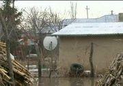 Stirile Kanal D, ora 12.00: Inundatiile au facut prapad intr-o comuna din Vrancea. Oamenii au dormit cu apa in case!