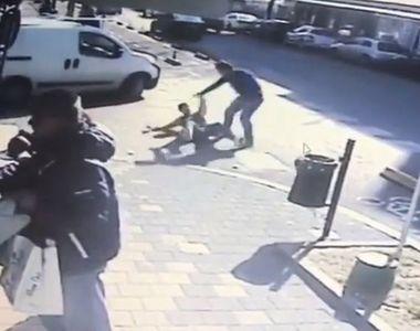 Angajat al unui magazin din Constanta, injunghiat de un client nervos ca nu i-a...