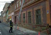 Un barbat din Timisoara a ajuns la spital dupa ce i-a cazut in cap o bucata de tencuiala desprinsa de pe o cladire