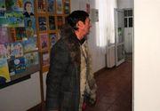 Elev de 13 ani din Botosani, dat cu capul de dulap de profesorul de muzica. Barbatul mai vine baut la cursuri si jigneste elevii
