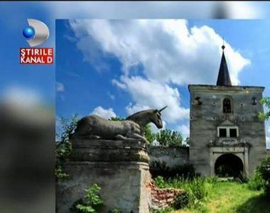 Misterul unicornilor care strajuiesc intrarea unui castel din Transilvania - Povestea...
